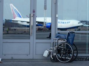 В России инвалидов на колясках с двигателями приравняли к пешеходам
