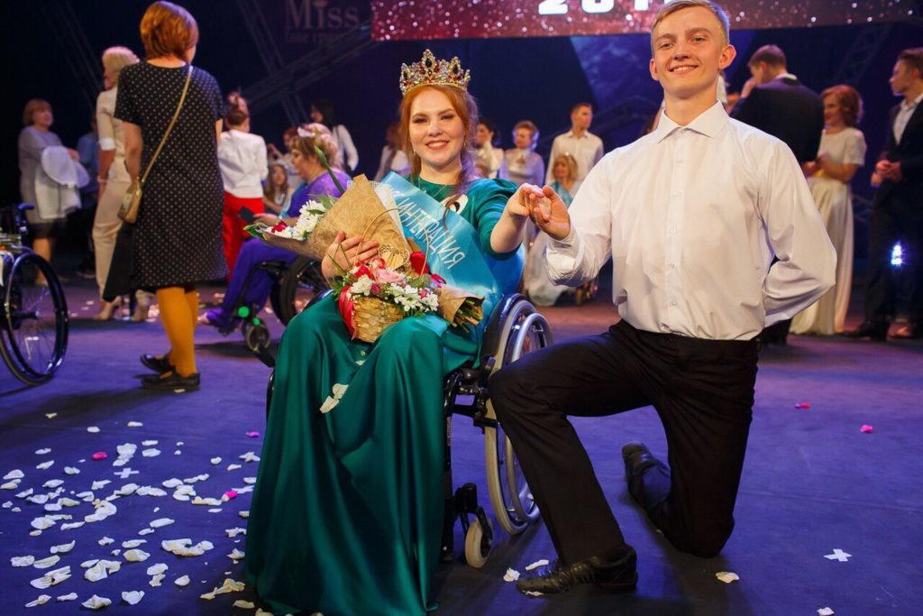 «В душе я всё ещё танцую». История хореографа, оказавшейся на инвалидной коляске