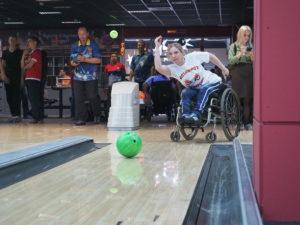 Победный бросок: в Кемерове прошёл чемпионат по боулингу для инвалидов