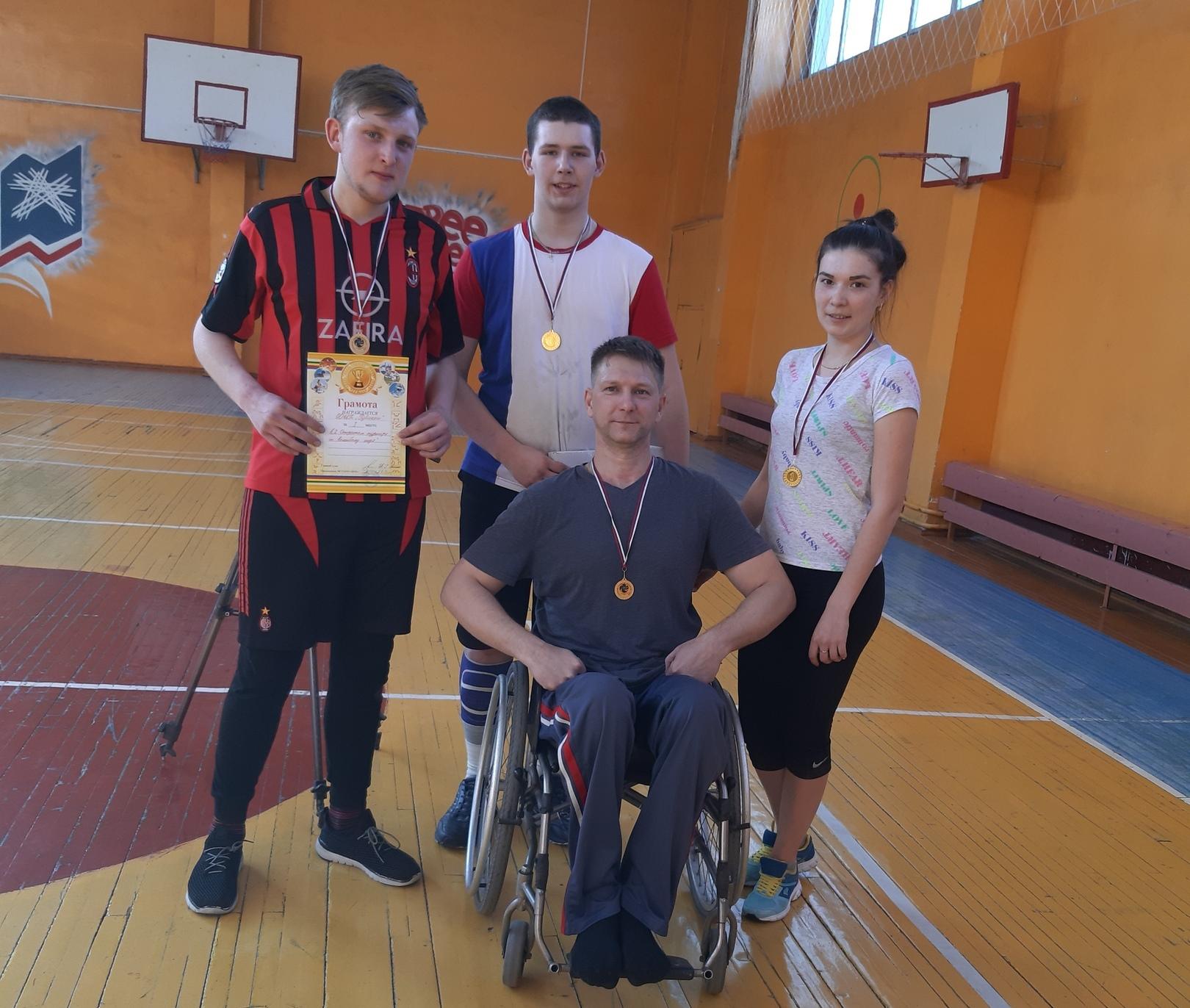 В Кузбассе прошёл открытый турнир по волейболу сидя