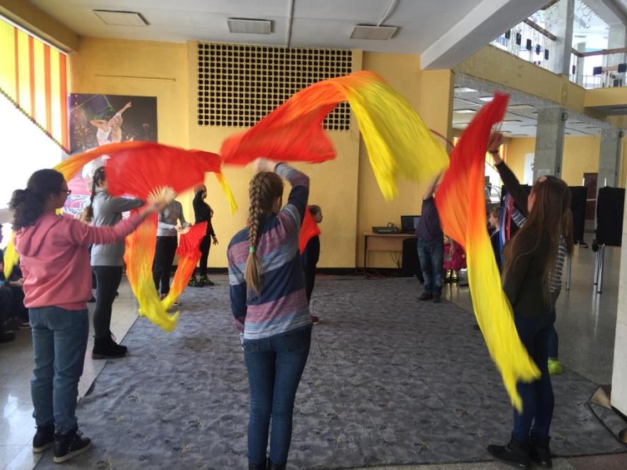 Дети с особыми потребностями побывали в закулисье Кемеровского цирка