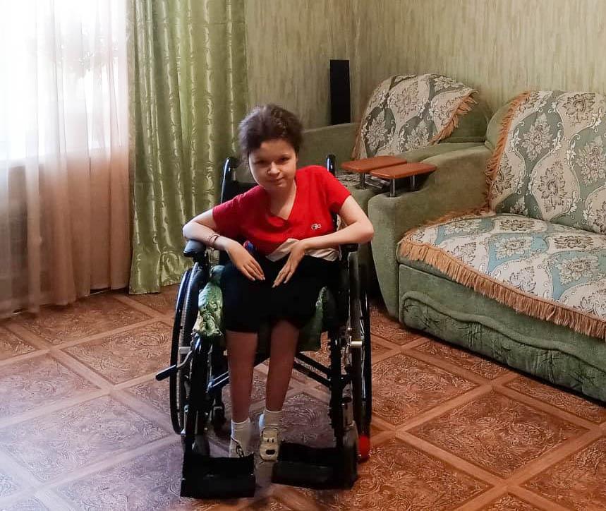 «Почти 100 лет, а сноса нет!»: как семья с ребенком-инвалидом борется за очередь на переселение из аварийного барака