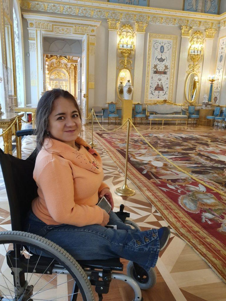«В Петербурге мне доступно почти все!»: о кафе, транспорте, тротуарах и людях